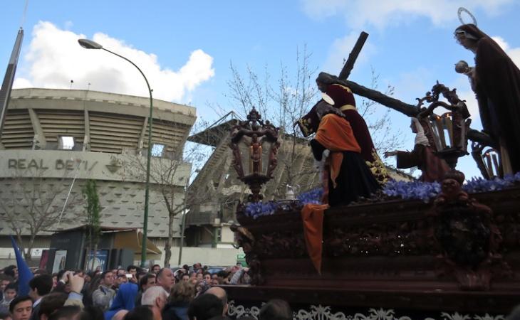 Cristo de la Misión camino del Monte Calvario.
