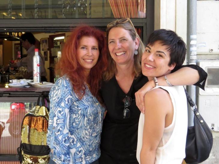 Victoria, Berta y Toni.