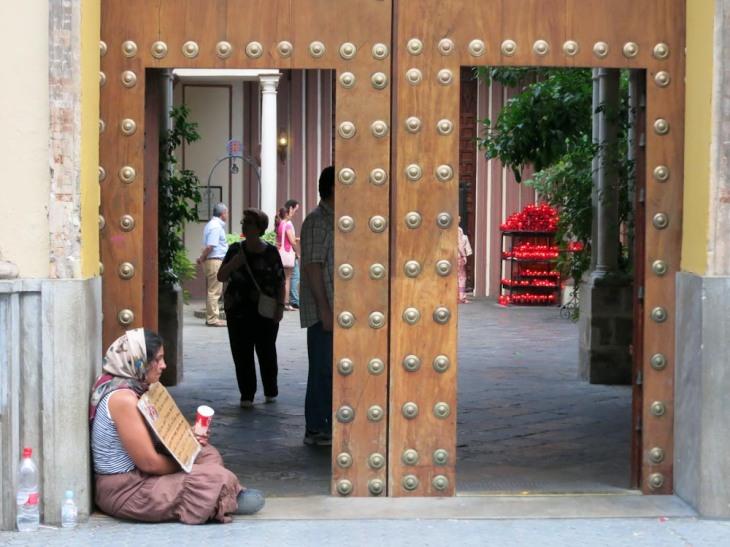 A las puertas de San Judas Tadeo
