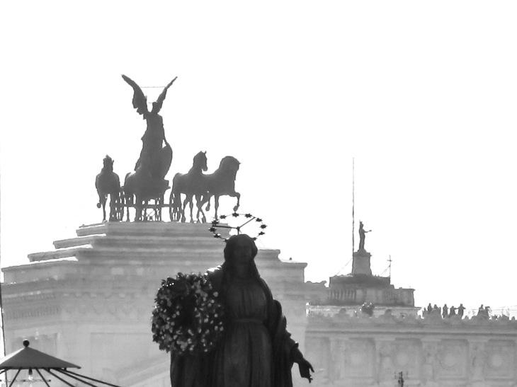 La Inmaculada y las cuadrigas victoriosas