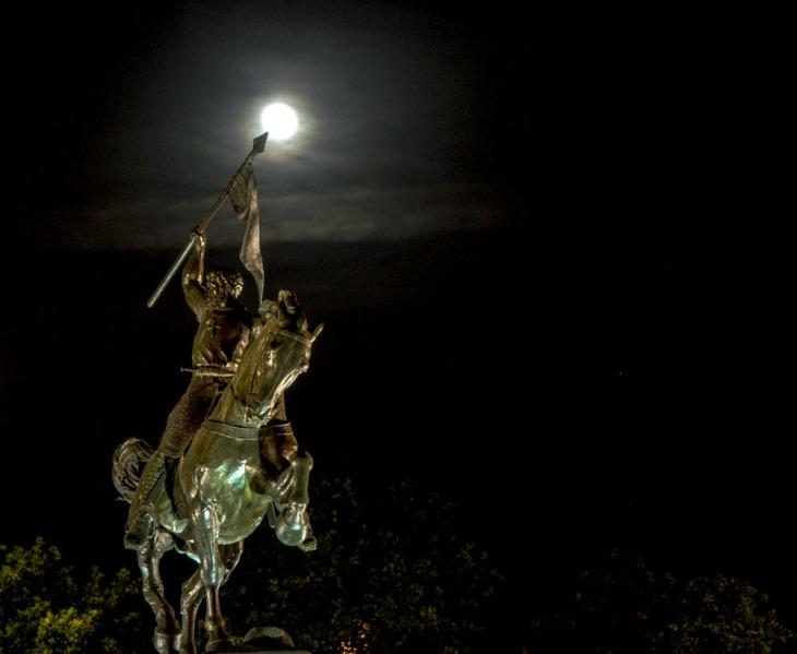 El Cid y la luna