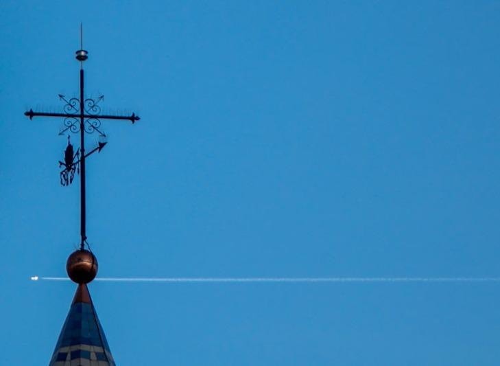 San Pedro y el avión