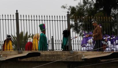 Paso de los Reyes Magos por Dos Hermanas junsto enfrente de los Juzgados de Dos Hermanas